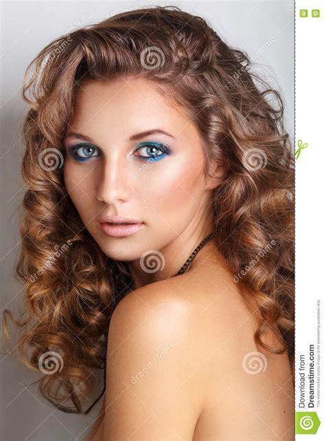 beautiful fashion model in jewelery and lila manicure fashion model glamour jewelry make up manicure royalty