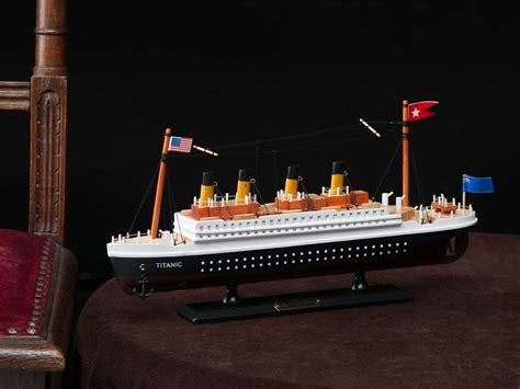 Tst Hb Lratherblue maquette navire mod 232 le titanic maritime ebay