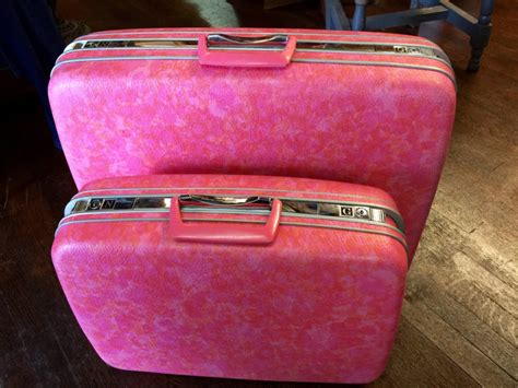 light pink carry on luggage samsonite carry on pink samsonite su0027cure s spinner