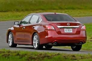 2015 Altima Nissan 2015 Nissan Altima Reviews And Rating Motor Trend