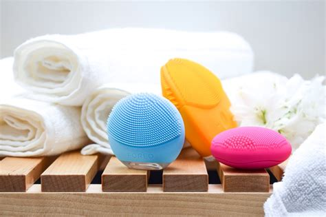 Foreo Go reviews makeup fragrance skincare haircare