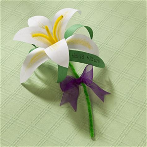 How To Make Paper Easter Lilies - diy paper easter and downloadable