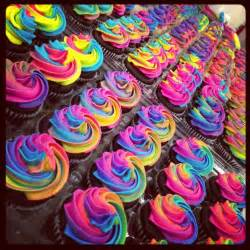colorful cupcakes rainbow cupcakes another rainbow cupcake idea