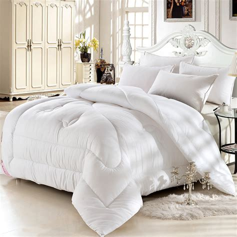 what is the best material for comforters microfiber fabric quilts soft skin friendly ventilation