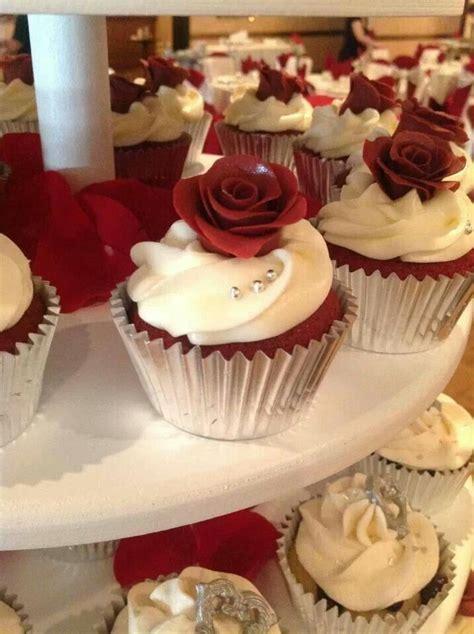 Burgundy and silver wedding cupcakes. www.becupcakemaker