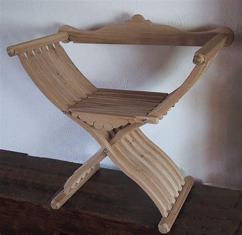 mittelalter stuhl scherenstuhl mit r 252 ckenlehne mittelalter m 246 bel