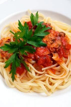 come cucinare vongole come cucinare spaghetti con salsa di vongole condividilo