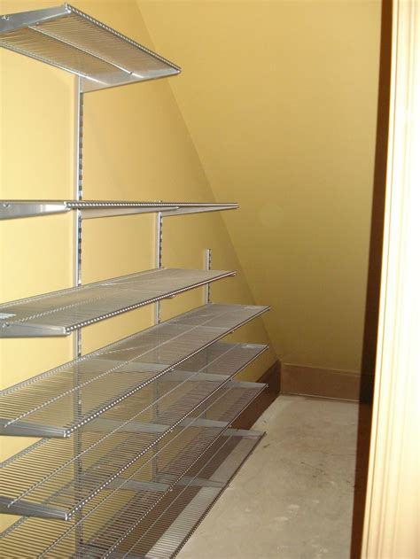 Stairs Closet Shelving by Best 20 Shelves Stairs Ideas On Stair