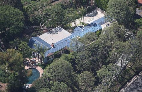 orlando bloom home orlando bloom rents out his home zimbio