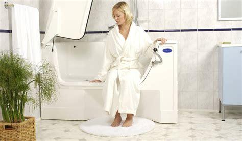 behindertengerechte dusche gr 246 223 e die 25 besten ideen zu - Badezimmer ältere Menschen