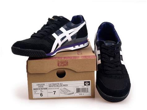 mens onitsuka tiger ultimate 81 athletic shoe onitsuka tiger black white purple ultimate 81 mens running