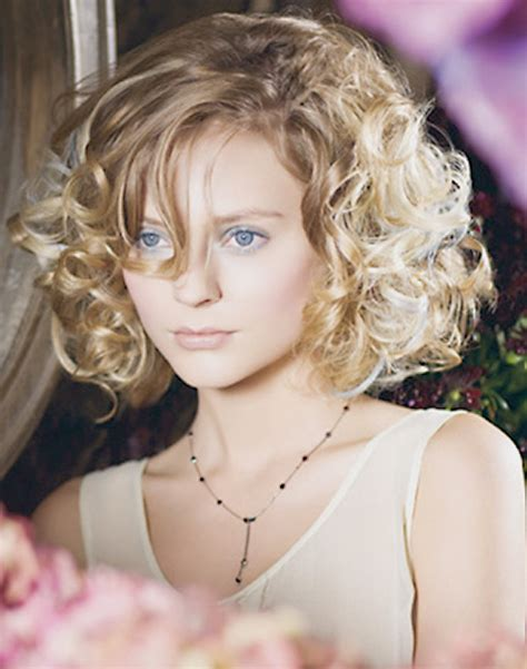 cuts for curly hair short curly hairstyles 2012 2013 short hairstyles 2016