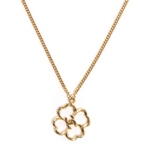 chanel vintage cc clover necklace gold 74982