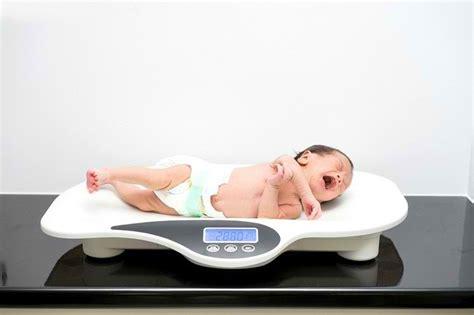 Kisaran Timbangan Berat Badan jangan cemaskan berat badan bayi normal semua ada patokannya alodokter