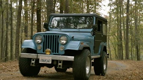light blue jeep stiles stilinski who else wants a jeep like stiles from teen wolf