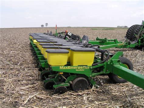 Farm Planters by The Agricultural Landscape Ecology Lab Farm Equipment