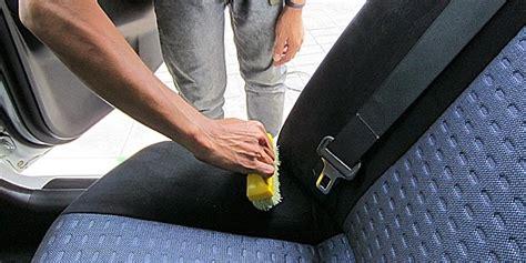 Cairan Pembersih Fabric cara membersihkan jok mobil sesuai bahannya harga isuzu