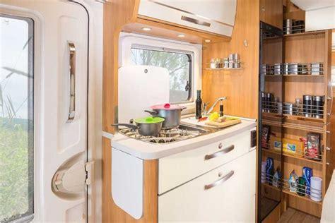 ordnung im küchenschrank ordnung k 252 che t 246 pfe