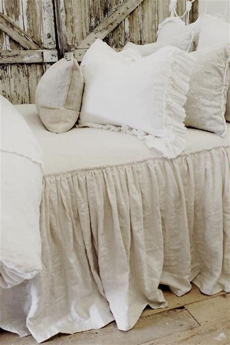 ruffled coverlet best 25 rustic chic bedding ideas on pinterest king