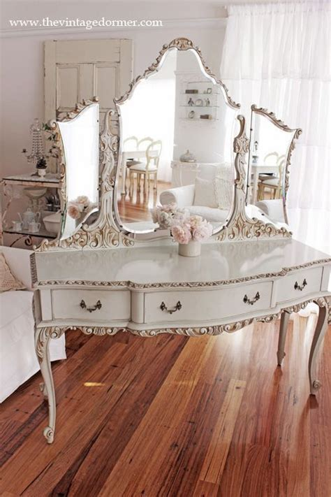 Vintage Makeup Vanity Table Vintage Vanity Furniture Pinterest
