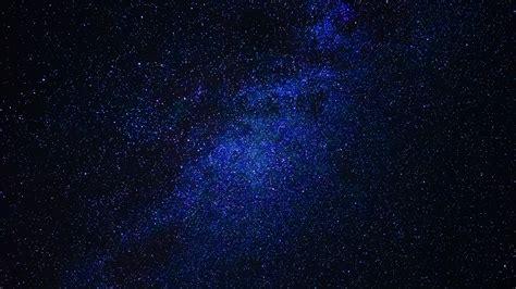 wallpaper langit biru malam blue sky full of stars illustration hd wallpaper