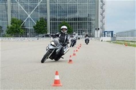 Motorrad Fahren Gut Und Sicher Dvd by Motorrad Sicherheitstraining Sicherer Unterwegs