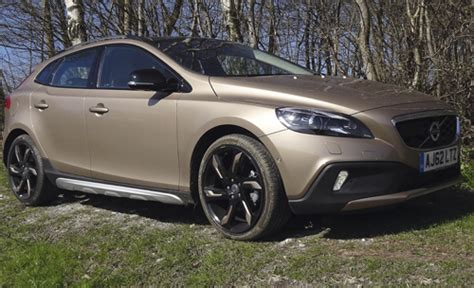 what country does volvoe from 4x4 reviews volvo v40 t4 se shooting uk