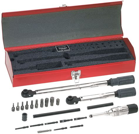 Granger Tools by Klein Tools 25 Pc Electricians Tool Kit 2dgl5 57060