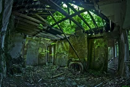 high quality abandoned room images world s greatest art site green urban living room abandoned house 1920x1280