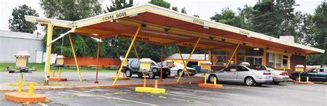 dogs n suds n suds drive in restaurants roadsidearchitecture