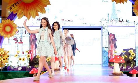 fashion square mall new year parade yas mall festival 2017 family event in abu dhabi
