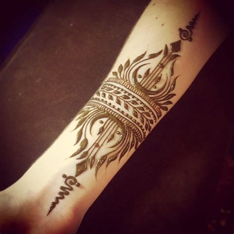 henna tattoos london best 25 tribal henna ideas on moon glyphs