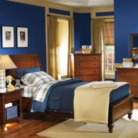 Aspen Cambridge Bedroom Set by Aspenhome Cambridge Sleigh Storage Bed In Cherry