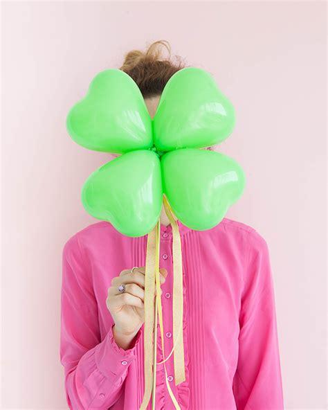 Blouse Jumbo Balon 4 leaf clover balloon sticks diy