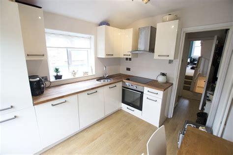 b q kitchen ideas kitchen oak worktop gloss units b q design