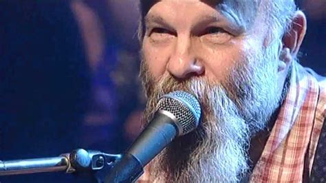 seasick steve dog house boogie seasick steve dog house boogie jools hootenanny 31 12 06 hd youtube