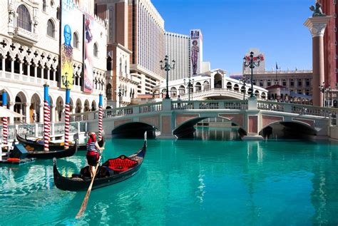 Las Vegas Strip Guide Hotels On The Strip Restaurants
