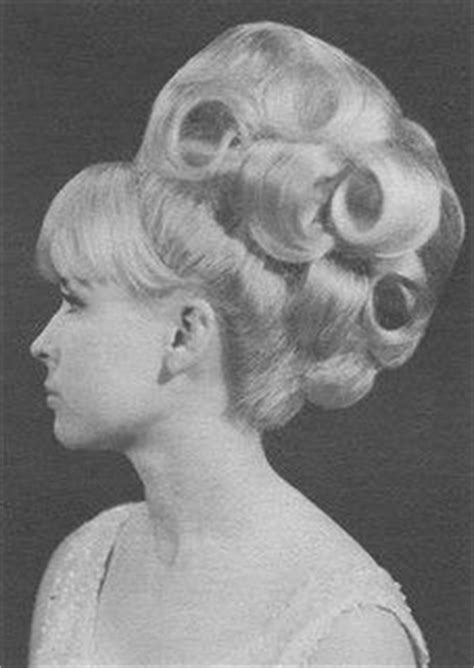 pictures of 1960 buffant updo 1000 images about beehives on pinterest beehive 1960s
