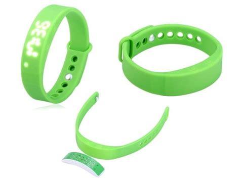 top 7 best fitness bracelets to 20