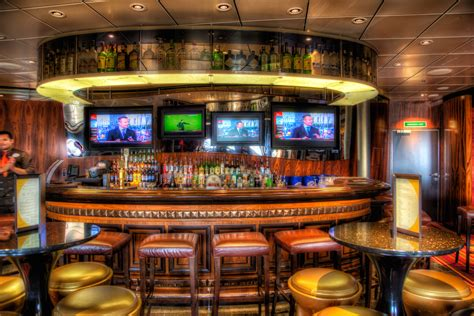 disney the district lounge and 687 sports bar