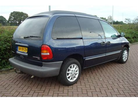 2000 chrysler voyager photos informations articles bestcarmag com