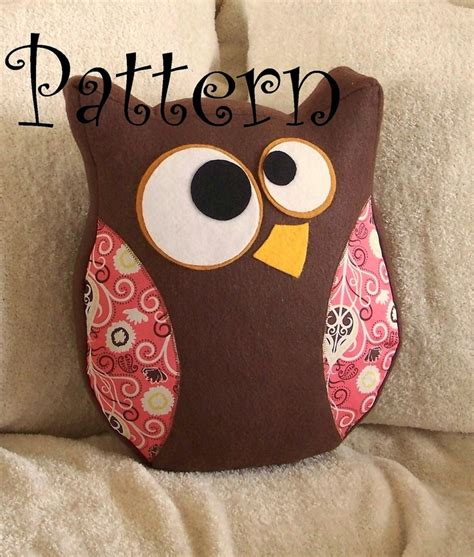 Owl Pillow For by Best 25 Owl Pillow Pattern Ideas On Owl