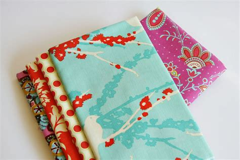 Materials Needed To Make A Quilt by How To Sew A Basic Quilt Tutorial Tip Junkie