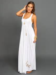 white maxi dress is good for daily life trendy dress