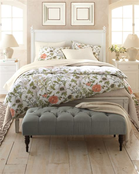 floral bedroom 1000 ideas about end of bed bench on pinterest bed