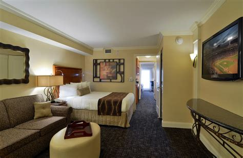 Hotel With 2 Bedroom Suites by Amish Country Hotels Amish Country Hotel Lancaster Pa