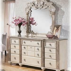 discontinued bedroom furniture discontinued ashley furniture bedroom sets ashley furniture charlinda king poster bedroom