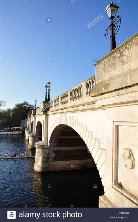 file kingston bridge over the thames london jpg kingston bridge over river thames kingston upon thames