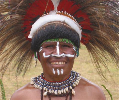 Mascara Sariayu Papua michael lori johnson s papua new guinea photo gallery