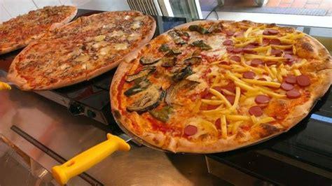 Izza Maxi Tua maxi pizza foto di arte della pizza bibione tripadvisor